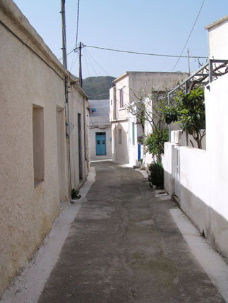 A typical alley in the village of Tourloti
