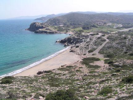 La plage d'Itanos près de l'endroit archéologique