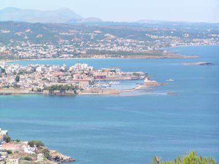 Το Ενετικό Λιμάνι των Χανίων από τους Τάφους των Βενιζέλων