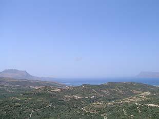 Η θέα στον κόλπο Κισσάμου από την Πολυρρήνια
