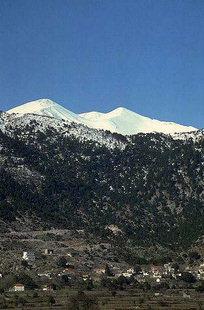 Το Οροπέδιο του Ασκύφου και η κορυφή του Κάστρου των Λευκών Ορέων