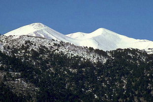 Mount Kastro above Askifou Plateau
