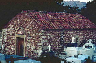 The Byzantine cemetery church of Agios Nikolaos in Apostoli