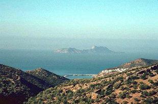Il porto di Agìa Galini e la piccola isola di Paximadia