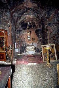 Το εσωτερικό της εκκλησίας της Μονής Παναγίας Γουβερνιώτισσας, Ποταμιές