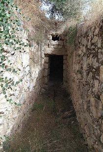 Ένας Μινωικός θολωτός τάφος στον Στύλο