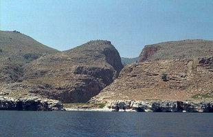 Η παραλία του Μαρμαρά στο τέλος του Φαραγγιού της Αράδενας
