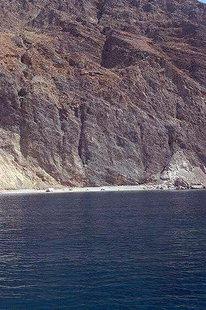 Les Lefka Ori à pic sur la mer près d'Agia Roumeli