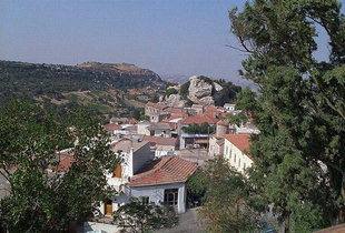 The village of Agios Thomas