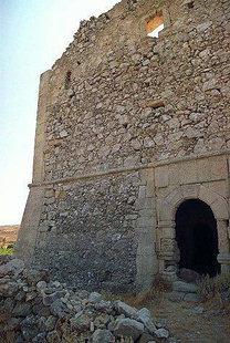 Η εξώθυρα στη Έπαυλη Voila, Χαντράς