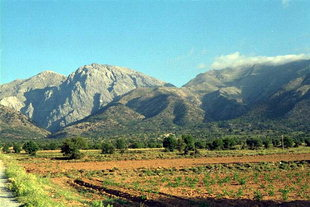 Omalos Plateau and Mount Gigilos