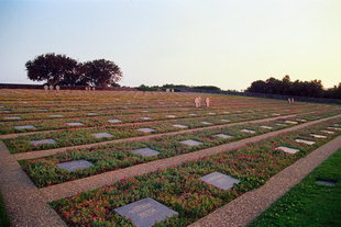 Το Γερμανικό Νεκροταφείο του Δευτέρου Παγκοσμίου Πολέμου στο Μάλεμε