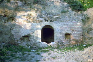 An old cistern near Agia Anna and Agios Nikolaos Church, Drapeti