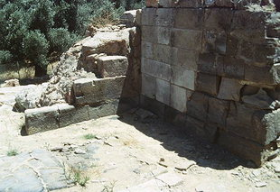 The storeroom wall and evidence of the fire, Agia Triada