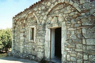 Die Fassade der Agia Anna in Amari