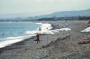 Η παραλία του Κολυμπαρίου στα Χανιά