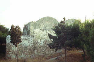 The unidentified buildings in the Fortezza, Rethimnon