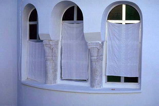 Matériels anciens utilisés incorporés dans des constructions nouvelles, Moni Palianis