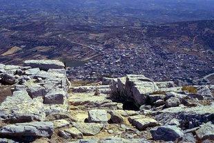 Das minoische Heiligtum auf dem Berg Youktas mit Blick auf Arhanes