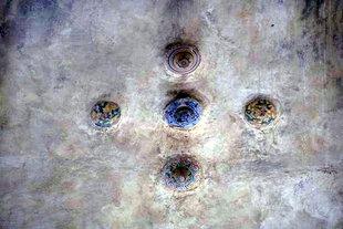 Dekorative Einzelheiten der Kirche Agios Georgios und Agios Charalambos in Therisos