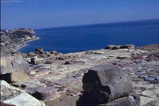 La Mer Libyenne et la cour de la villa, Mirtos
