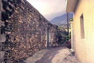 Eine Straße in Kournas