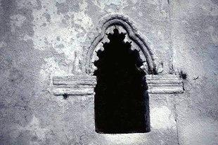 Kunstvolles Fenster in der Panagia in Kournas