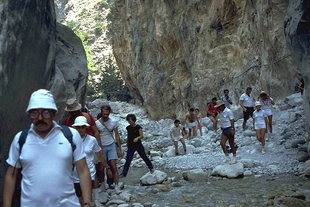 Hiking through the Portes of the Samaria Gorge