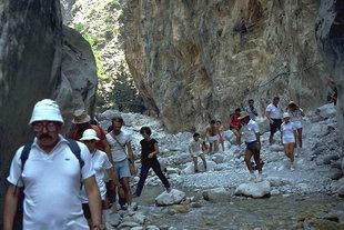 Vorbei an den ''Portes'' der Samaria-Schlucht