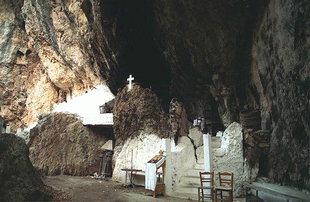 La grotte d'Agios Antonios à Patsos