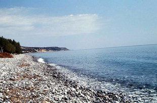 Der Strand von Keratokambos unterhalb von Kato Viannos