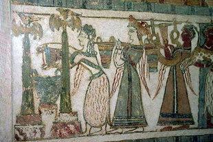 Une scène sur un sarcophage en pierre d'Agia Triada