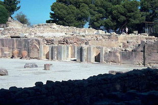 The Central Court in the palace of Festos