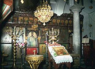 L'intérieur de l'église des Agii Deka à Agii Deka