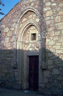 Η εξώθυρα της εκκλησίας του Μιχαήλ Αρχάγγελου στο Μοναστηράκι