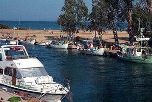 Anlegen im Hafen von Georgioupolis