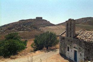 Venezianische Burg und die Kirche Agii Apostoli und Panagia