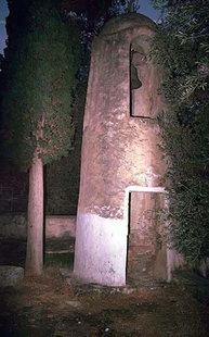 L'insolite tour Vénitienne de l'église d'Agios Nikolaos, Moni