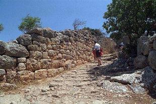 Ο κύριος δρόμος της αρχαίας πόλης, Λατώ