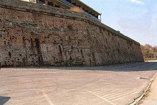 Die venezianischen Stadtmauern vor dem Xenia-Hotel, Chania