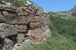 Antiche fortificazioni a Falàsarna