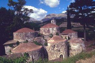 Die byzantinische Agios Fanourios-Kirche mit ihren drei Kuppeln in Kitharida