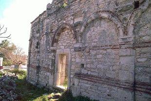 Agios Ioannis Church in Episkopi Milopotamos