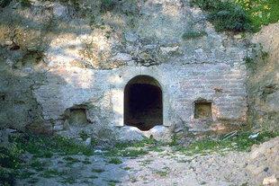 An old cistern near Agia Anna and Agios Nikolaos Church, Drapeti