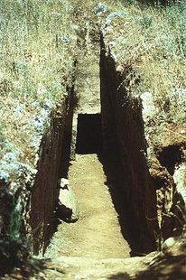 Η εξώθυρα σε ένα τάφο στο νεκροταφείο  των Αρμενών