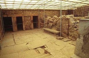 Die Halle mit dem Steinsitz, Knossos