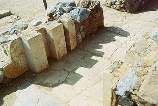 Un ingresso vicino al Bacino Lustrale, Malia