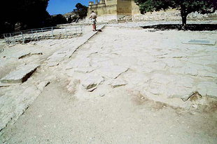 The West Court and the raised walk, Knossos