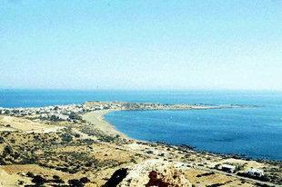 Η παραλία, το χωριό και η χερσόνησος της Παλαιόχωρας