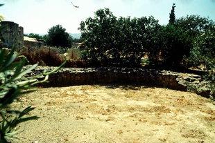 Minoan tombs in Platanos